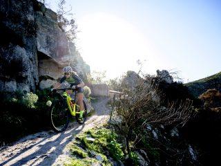 89237d58163 2019 UCI MTB XCO World Cup: Mathieu van der Poel & Kate Courtney ...