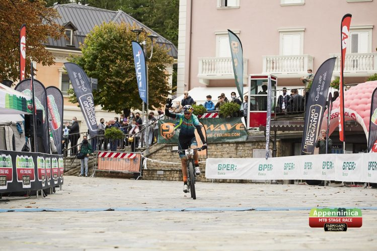 START during Stage 5 of the 2020 Appenninica MTB from Castelnovo to Castelnovo, Emilia Romagna, Italy on 1 October 2020. Photo by Alyona Blagikh.